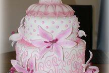 Cool Cakes / by Pauline Bremer-Helderle