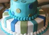 cakes / by Lisa Davie