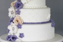 Wedding cake tutorials / DIY step-by-step wedding cakes. Beautiful fondant roses and flowers, vintage and lace.