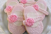 Amazing cookies, and cakes. / by Mary Kay Killian