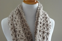 knit/crochet cowls / by Tina Niesen