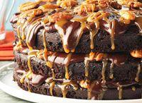 Recetas de tortas, cupcakes / by Damaris Hewett