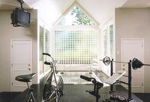 El gimnasio en casa. / Para hacer ejercicio en casa hasta sudar la última gota.