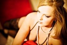 Promotions / Fabulous Feminine Fotografie - modern boudoir photography for women & couples.