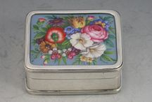 Antique Silver Boxes / Antique Silver Snuff Boxes, Pill Boxes and Card Cases for sale at Steppes Hill Farm Antiques