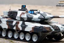 RC Panzer Leopard 2 A6 Wintertarn Heng Long / Hier sehen sie Bilder unseres Leopard 2 A6 von Heng Long mit Wintertarn Airbrushlackierung. Die Panzer finden Sie bei uns im RC Panzer Shop.