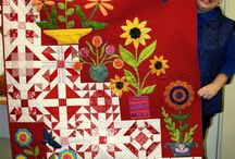 Quilted Corner! / Awesome, Beautiful, Amazing, Gorgeous Quilts I'd just as soon hang on my wall then use on my bed!