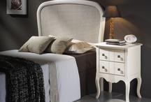 Colección París / Dormitorio fabricado en haya maciza , con gran variedad de acabados