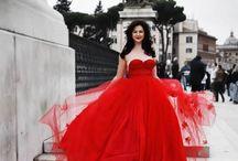 'La robe rouge' / Red trumps black and white