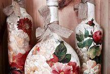 garrafas decoradas com adesivos de flores