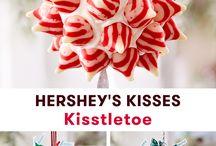 Hershey's Holiday Decor