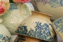 Antique china / Beautiful antique china including tea things, objects and statues