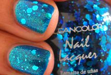 NAIL DESIGN / by Shelle Kincaid