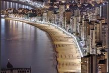 Benidorm en imágenes /  Benidorm in pictures / Imágenes de Benidorm / Benidorm's pictures. Una ciudad que no deja indiferente a nadie / A city that will not let anyone indifferent.  http://www.servigroup.com