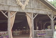 Barn weddings / by Colleen Niewinski