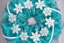 holiday wreaths mesh