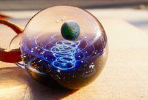 Cosmos dans une perle