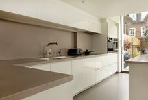 Kitchens with Clean Lines / Modern kitchen design layouts.