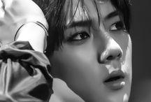 세훈. / His perfection.