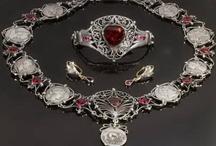 Antique & Modern Jewelry / by Nikola Eftimov