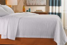 Courtyard by Marriott bed & bath items / These are the bedding and bath items that you will find in Marriott Hotels. Items like pillows, coverlets, comforters, sheets, towels, bathroom products, etc. Invite