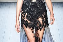 JULIEN MACDONALD / https://www.facebook.com/QueridasFashionistas