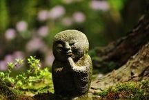 JIZO BODHISATTVA / Japonský bůžek chránící děti, ženy a lidi na cestách....