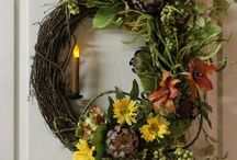 Wreaths and Door Decor / by Kenny Dye