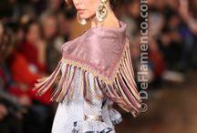 Mantoncillos, flores y trajes de flamenca / by Rocio Morenes Solis