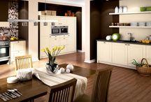 romantik Küchen / Romantischer Charme verbindet Tradition und Moderne. Behagliche Küchen, facettenreich und zeitgemäß. Küchen im ländlichen Stil mit warmen, neutralen Farben, natürlichen Materialien und viel Liebe zum Detail. Lassen Sie sich bei uns von Küchen inspirieren, die zum Leben gemacht sind…