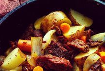 DUTCH OVEN COOKING / by Cheryl Crick
