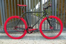 fixies / by Salvador Rivera Pastrana
