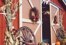 Holiday Barn-Inspired Decor