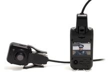 Caméra d'intervention / Ici, vous trouverez toutes les caméras dites tactiques ou d'intervention.  Ces caméras ont pour but de capturer, de manière plus ou moins discrète, vos actions à la première personne, de retransmettre ce que vous voyez !  Du micro-enregistreur portatif à la lunette de vision nocturne, n'hésitez plus et partagez votre vision des choses au sens propre comme au figuré !