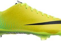 Buty piłkarskie / W naszej ofercie znajdziecie Państwo stworzone specjalnie dla wymagających sportowców wytrzymałe, praktyczne i stylowe obuwie do gry w piłkę nożną