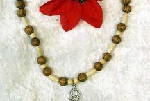 dřevěné korálky / šperky z dřevěných korálků