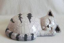 esculturas gatos