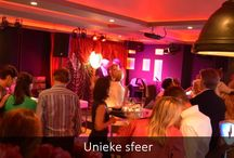 Uw feest / Onvergetelijke feesten en evenementen organiseren is onze uitdaging. Zo kunt u onder andere gebruik maken van een podium met catwalk, creëert u een unieke sfeer door de ongekende mogelijkheden van LED-verlichting en komen beeld en geluid tot leven via grote televisieschermen, beamers met projectieschermen en een high tech geluidsinstallatie. Ook kunt u gratis gebruik maken van WIFI. Bar Lounge QB heeft een flexibele indeling: 25-400 gasten