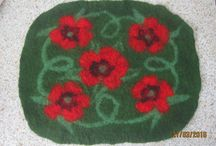 doormat / Handmade.The rug is made of 100% wool.Can be used for a cat or large dog.Can do any size and any color.
