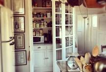 Skafferi walk-in pantry