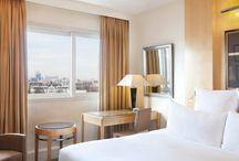 Suites & Rooms / Our different categories of Rooms and Suites in Le Méridien Etoile Paris.
