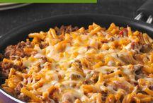 cheesy macaroni beef skillet