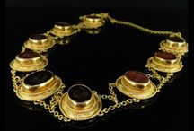 Antique Necklaces / A fabulous collection of exquisite necklaces from the Edwardian, Georgian, Victorian and Art Deco eras to the present day. Unusual, bright and vibrant coloured stones are individually selected for each piece of this impressive collection.