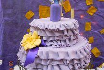 Party cakes, cuppies and other sweet treats.... / by Jennifer Thomas