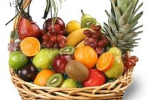 Подарочные корзины / Корзины с фруктами, сладостями, продуктами. Доставка по городам России и мира от Фламинго.Ру