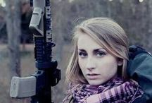Airsoft Girls / Qute girls playing Airsoft