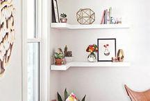 Floating Shelves / Inspiration for DIY Floating Shelves