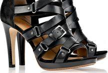 Must Have Shoes / by Elizabeth Fernandez