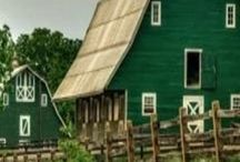 Barns / Beautiful barn pictures.