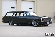 station wagons / Old station wagons are cool